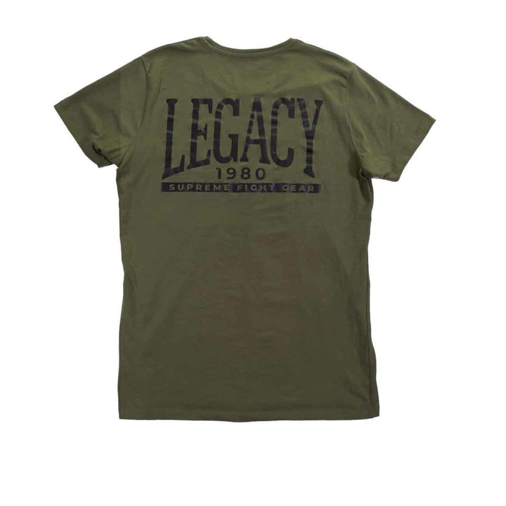 Legacy t-shirt i militärgrön färg med stort Legacytryck på ryggen