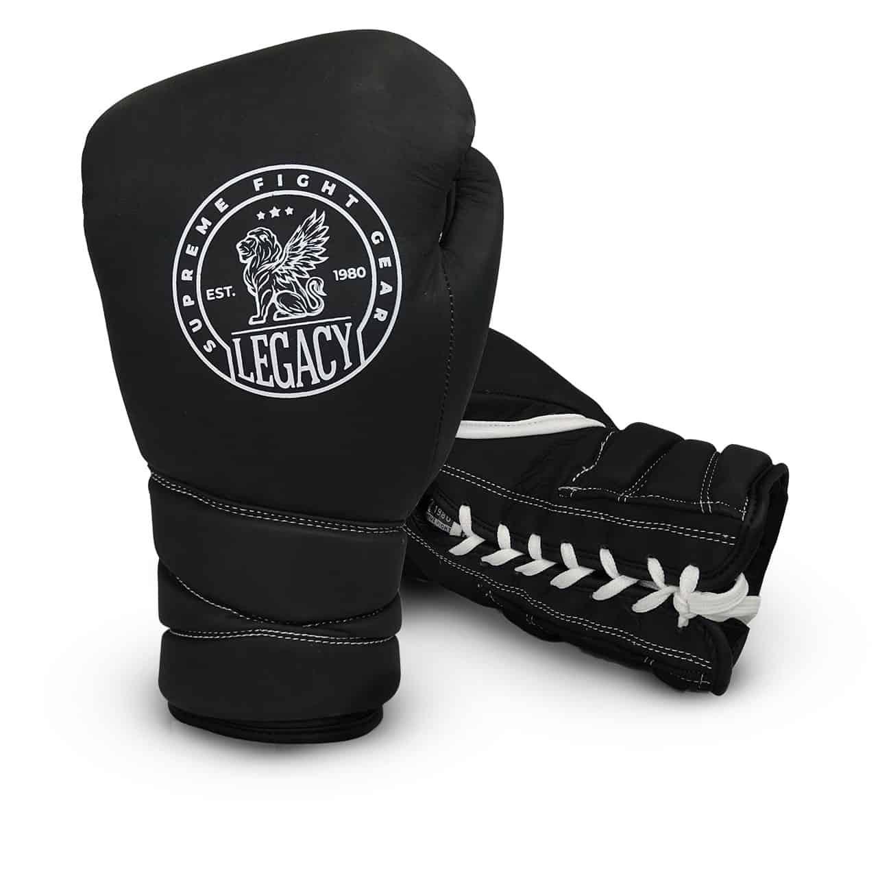 Boxningshandskar med snörning i unik design. Tillverkade i läder